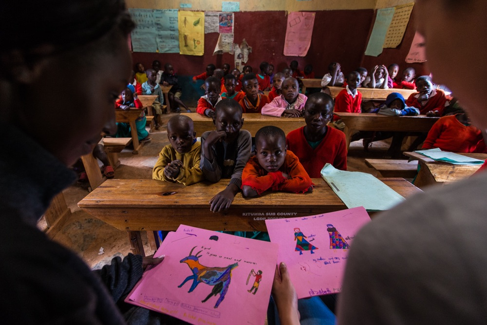Katharina Lahner GH volunteer - classroom with Jane