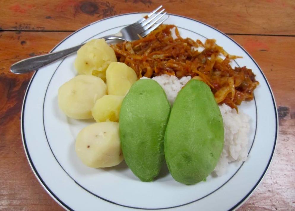 Meal at Edirisa; photo by Katharina Lahner
