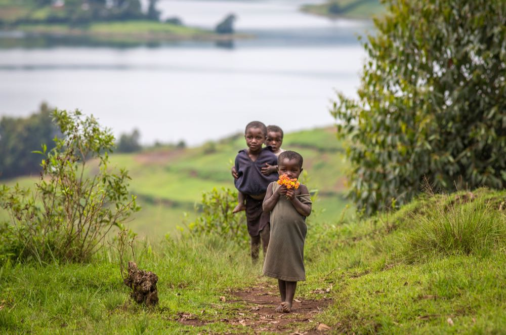 Children of Lake Bunyonyi; photo by Jiro Ose