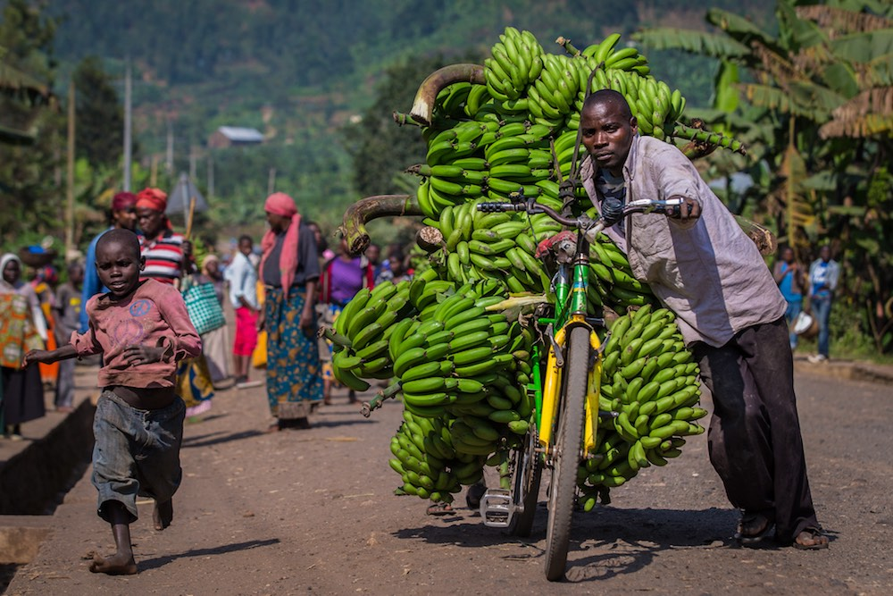 On the way to the market near Musanze; photo by Marcus Westberg