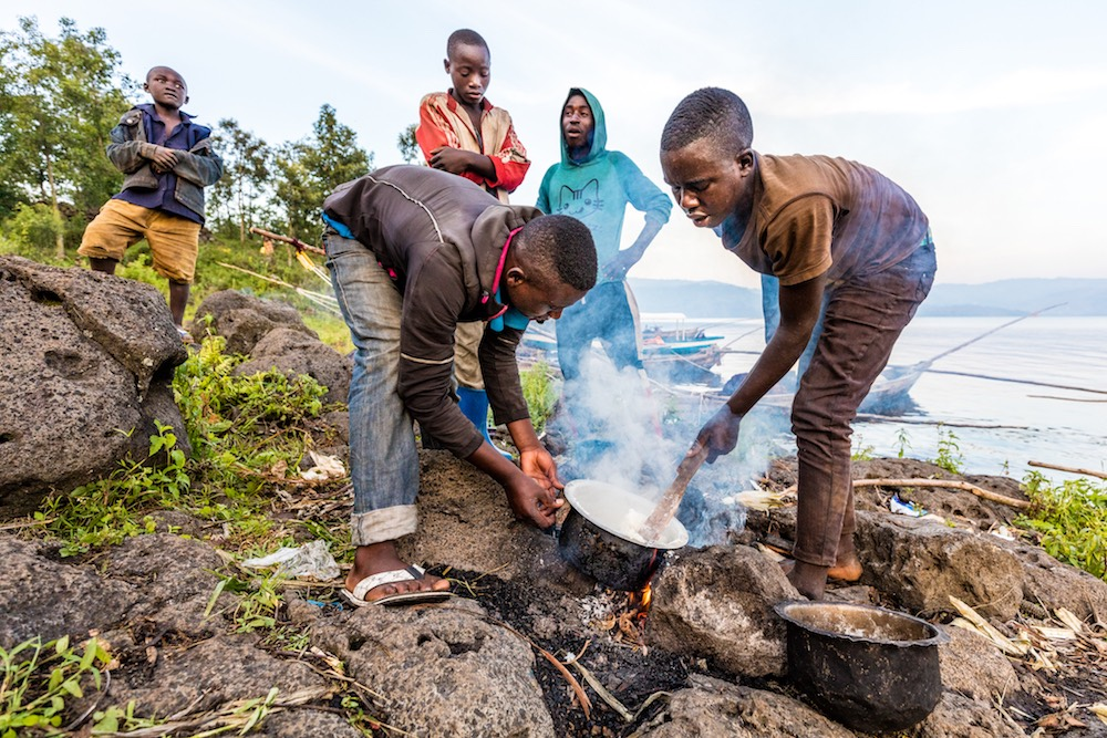 Fishermen's meal on Lake Burera; photo by Marcus Westberg